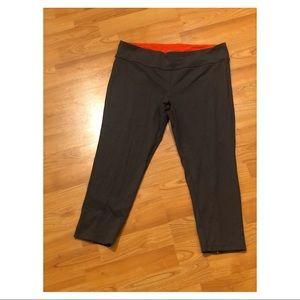 Dark Gray Victoria's Secret VSX Cropped Leggings